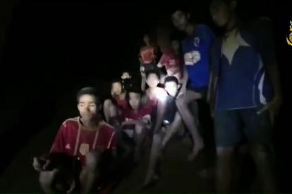 El rescate de los menores y de su entrenador se cumplió durante día y noche.
