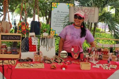 Accesorios coloridos y mochilas wayuu se encontrarán en 'El Jardín Mágico'.
