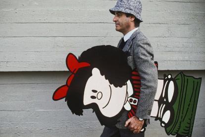 Quino con su inseparable Mafalda.