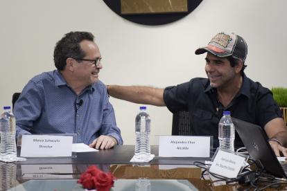 El director de EL HERALDO, Marco Schwartz, y el alcalde Alejandro Char en el encuentro cumplido este jueves en esta casa editorial.