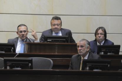 Los congresistas Efraín Cepeda, Eduardo Pulgar, Cesar Lorduy y el gobernador Eduardo Verano.