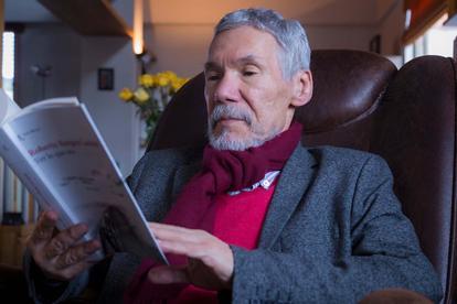El escritor cartagenero Roberto Burgos Cantor falleció a los 70 años.