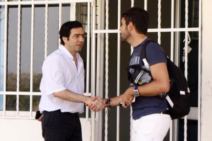 Antonio Char y el capitán de Junior, Viera.