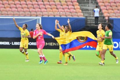 Jugadoras del Huila celebrando.