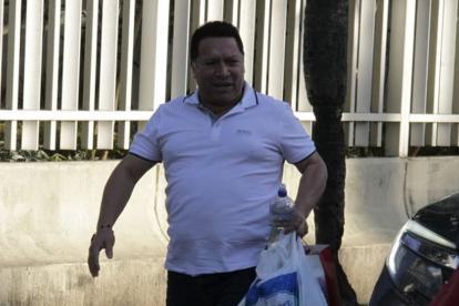 Manuel Vicente Duque a su llegada a la Fiscalía.