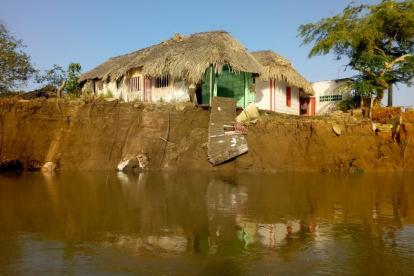 Una de las viviendas afectadas por la erosión.