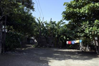 En este patio de La Bendición de Dios fueron hallados los costales con los restos del hombre descuartizado.