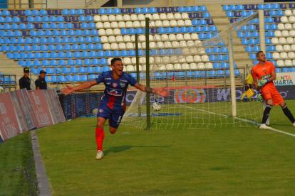 Luis Carlos Arias fue la figura del compromiso al marcar dos goles en la victoria del Unión Magdalena 4-0 ante Patriotas.