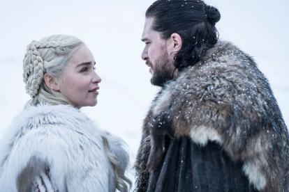 Daenerys Targaryen (Emilia Clarke) y Jon Snow (Kit Harington).