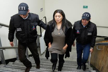 Los detenidos, al parecer, se habrían aliado con la exgobernadora  Oneida Pinto para cometer actos irregulares en la celebración de un convenio.