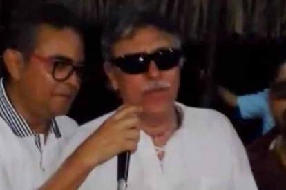 El juez Rodríguez canta a dúo con Santrich.