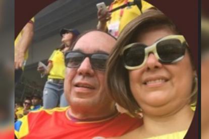 Aroca junto a su esposa María Fernanda Mejía.