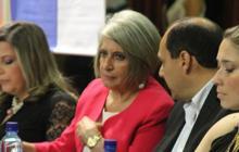 Aspecto de la conferencia de Cecilia López Montaño.
