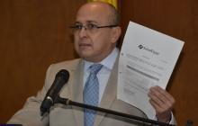 El fiscal Montealegre señala documentos de la Supersalud.