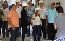Alcaldesa inspeccionó obras del edificio Muvdi, que muestra avance del 75%