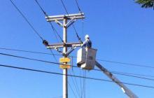 Personal técnico de Electricaribe sigue en la zona en la reposición de redes.