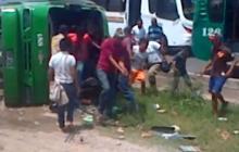 Accidente entre dos busetas deja al menos 10 lesionados
