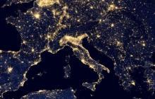 Vea cómo es el mundo iluminado de noche, con Maps Gallery
