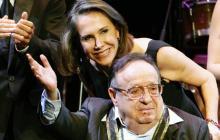 Roberto Gómez Bolaños con su esposa, Florinda Mesa, en una fotografía del año 2011.