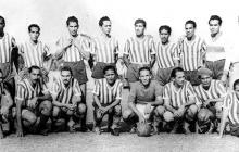 La escuadra de Junior en 1949. El plantel logró estar en el fútbol profesional y consiguió ser sub-campeón de Colombia.