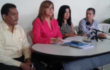 El alcalde de Malambo, Víctor Escorcia; Darling Isáziga, secretaria del Interior; Ruth Escobar y Orlando Curiel, delegados de la Registraduría en Atlántico.
