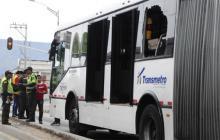 En varias ocasiones los buses del sistema Transmetro han sido atacados.