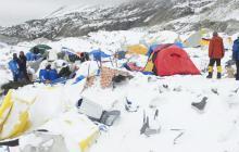 Campamentos para sobrevientes en el Everest.