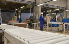 Trabajadores de una planta industrial.