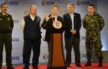 Santos anuncia proyecto de ley para que los jóvenes trabajen mientras legalizan su situación militar