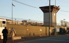 Congreso de EEUU aprueba ley de defensa que aún impide cerrar Guantánamo
