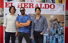 Los integrantes de la agrupación barranquillera, durante su visita a EL HERALDO.
