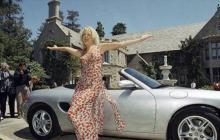 La estrafalaria Mansión Playboy está en venta