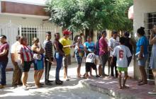 Habitantes de Villa Katanga durante la jornada.