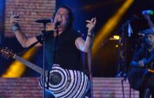 El cantautor samario Carlos Vives, durante el último concierto gratuito que ofreció a los barranquilleros.