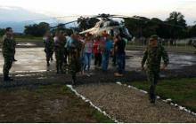 Evacúan a 14 niños indígenas colombianos que sufrían desnutrición