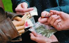¿Cómo debe proceder un policía al encontrarse con un ciudadano que porte la dosis personal?