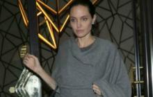 Nuevas fotos de Angelina Jolie impactan por su  extrema delgadez
