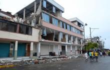 Ecuatorianos conmemoran el primer mes del devastador terremoto
