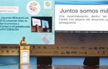 Eduardo Verano, gobernador del Atlántico, durante su intervención en la cumbre.