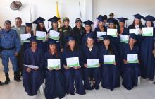 Se graduan 15 reclusas de la Cárcel de Santa Marta
