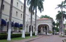 El hotel El Prado se mantiene cerrado desde el pasado viernes 17 de junio.