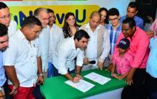 """""""Educación es el camino a la paz"""", dice alcalde Char"""
