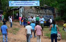 Integrantes de la comisión de verificación llegan a una de las zonas veredales.