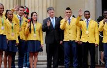 Entregan incentivos a los medallistas olímpicos de Río 2016