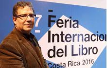 Alberto Salcedo, en la Feria del Libro de Costa Rica.
