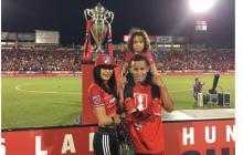 Barrios le dedicó el triunfo a su esposa Briany Iglesias y a su hijo Michaell Dayans.
