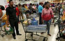 Comienzan a escasear algunos víveres en Jamaica ante el paso de 'Matthew'