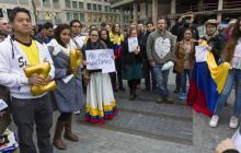 Colombianos pide en Bruselas que políticos vuelvan a negociar paz