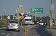 Vehículos circulan por una de las principales entrada a Barranquilla.
