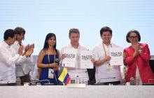 No vamos a desfallecer por la paz, dice Santos al cierre de Cumbre de de Cartagena
